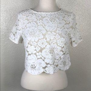 TopShop   White Cream Scalloped Hem Floral Crop